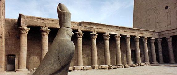 Templo Edfu • Rota Sagrada: Egito & Jordânia Jun 2019