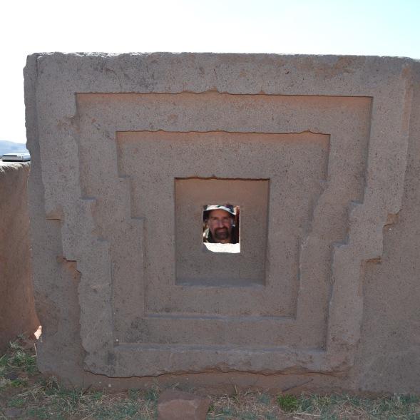 Pirâmide de Puma Punku - Tiwanacu - Bolivia